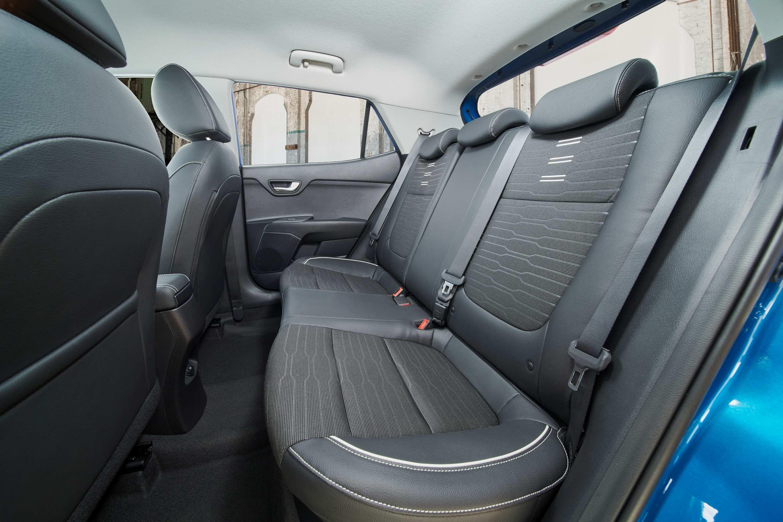 M21 Kia Stonic GT Line rear seats