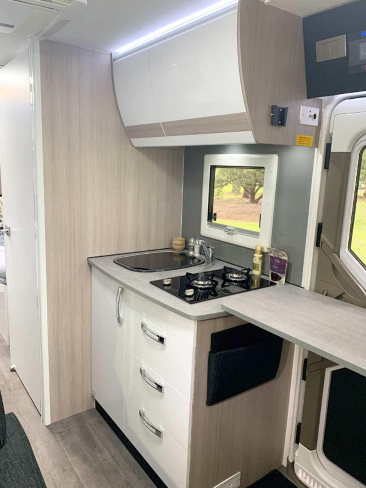 MY21 Eyre B7662 Kitchen