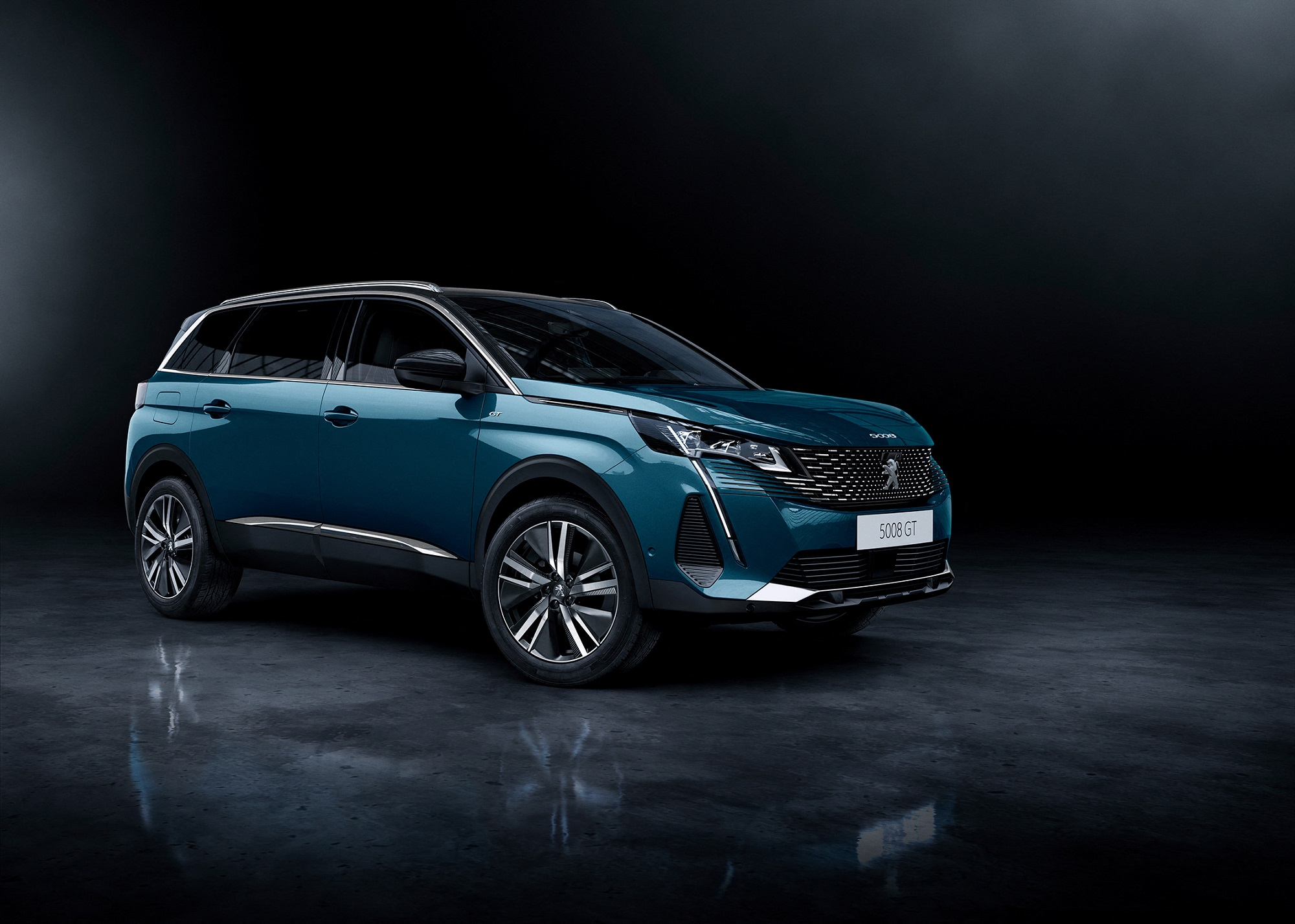 Peugeot 5008 (overseas model shown).jpg