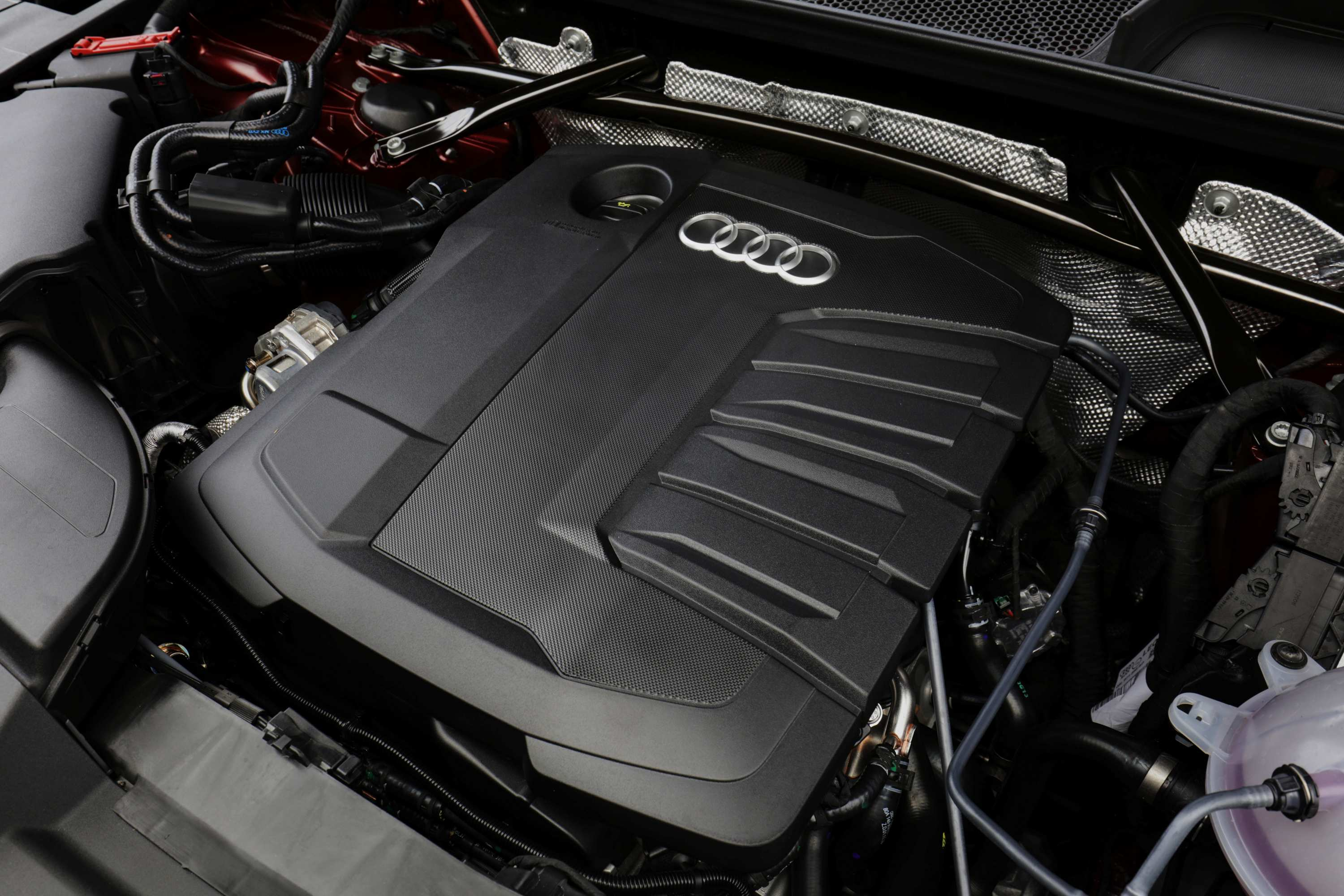 Audi Q5 2021 TDI Engine