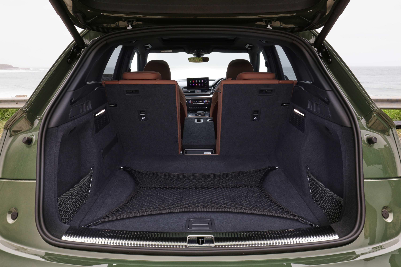 Audi Q5 2021 boot