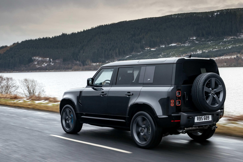 2021 Land Rover Defender V8 Driving