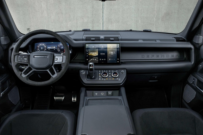 2021 Land Rover Defender V8 dash