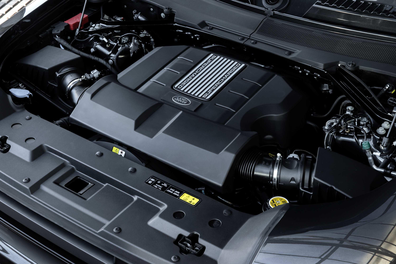 2021 Land Rover Defender V8 engine