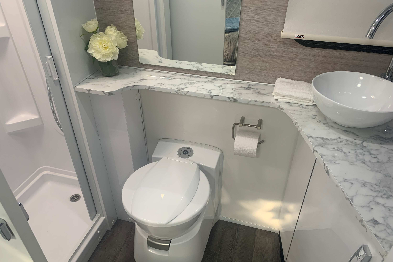 Avida Esperance Motorhome C7834SL MY21 interior toilet